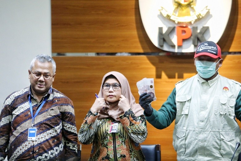 WhatsApp thread 'implicates' KPU chair in Saeful Bahri bribery trial