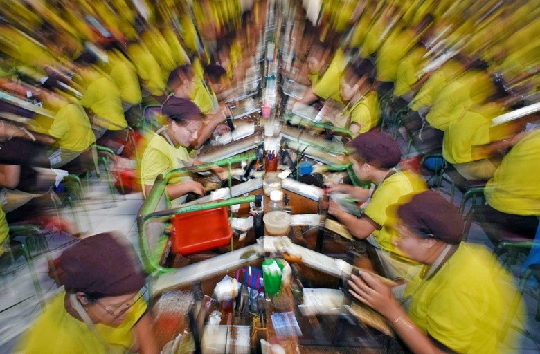 Indonesia's factory activity contracts to historic low in Q2