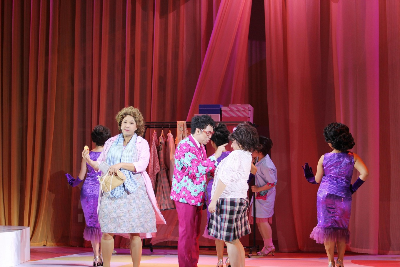 Indonesian take on cult classic 'Hairspray' hits but also misses