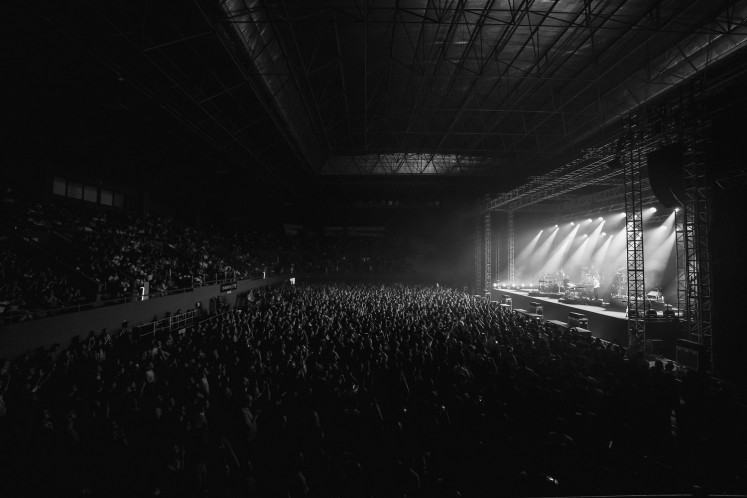 A shot of the audience at the Bon Iver concert in Jakarta.