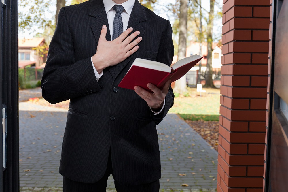 US, Indonesian citizens arrested for allegedly proselytizing for Jehovah's Witnesses in Jambi