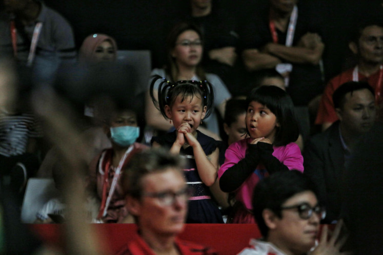 'Badminton unites us': Photo of shuttlers' daughters praying side by side warms fans' hearts