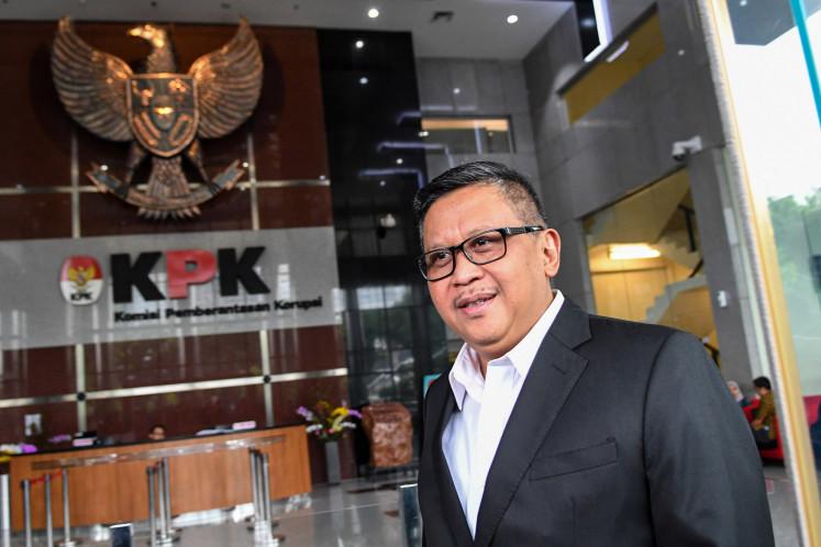 KPK grills senior PDI-P politician Hasto for five hours over alleged bribery case
