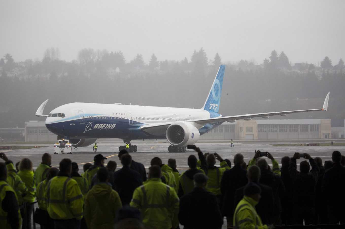 Boeing to restart Washington state commercial plane manufacturing