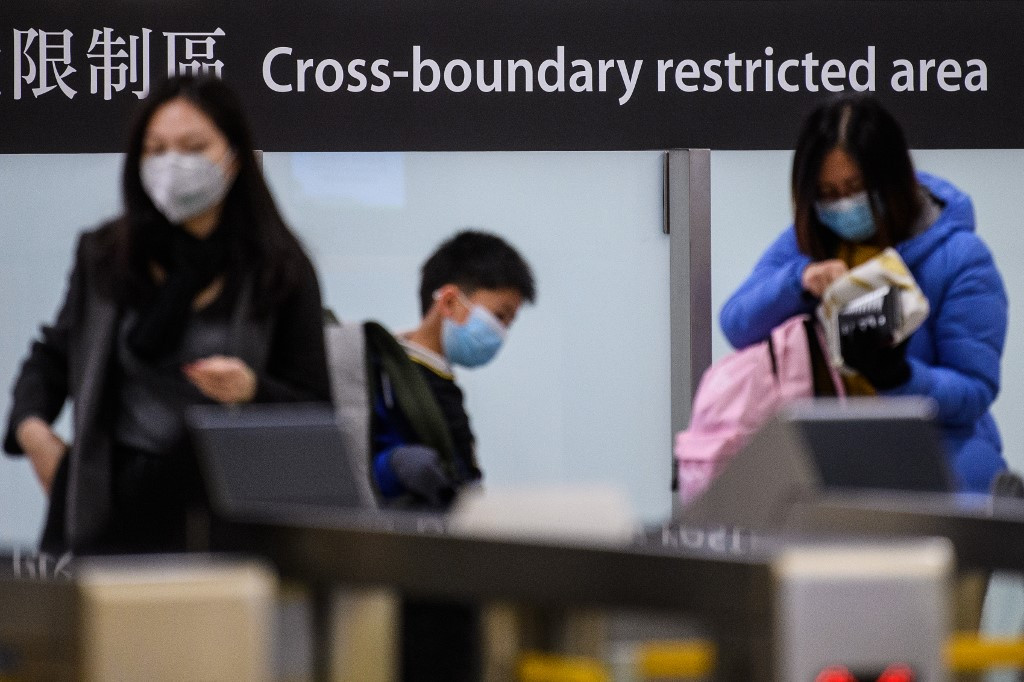 Banks tell HK staff to work from home after China visit