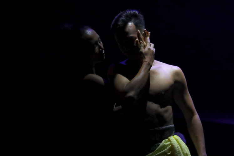 Intimacy: The 2019 production, at three hours, is an abridged version of the original, which was approximately six hours in length.