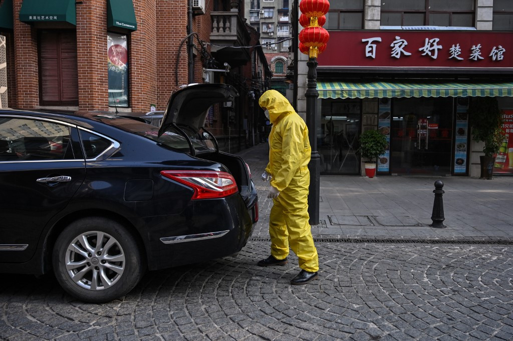 Virus deaths in China rise to 360, exceeding SARS mainland toll
