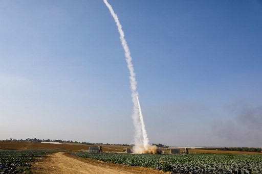 Israel strikes Hamas targets after new Gaza rocket fire