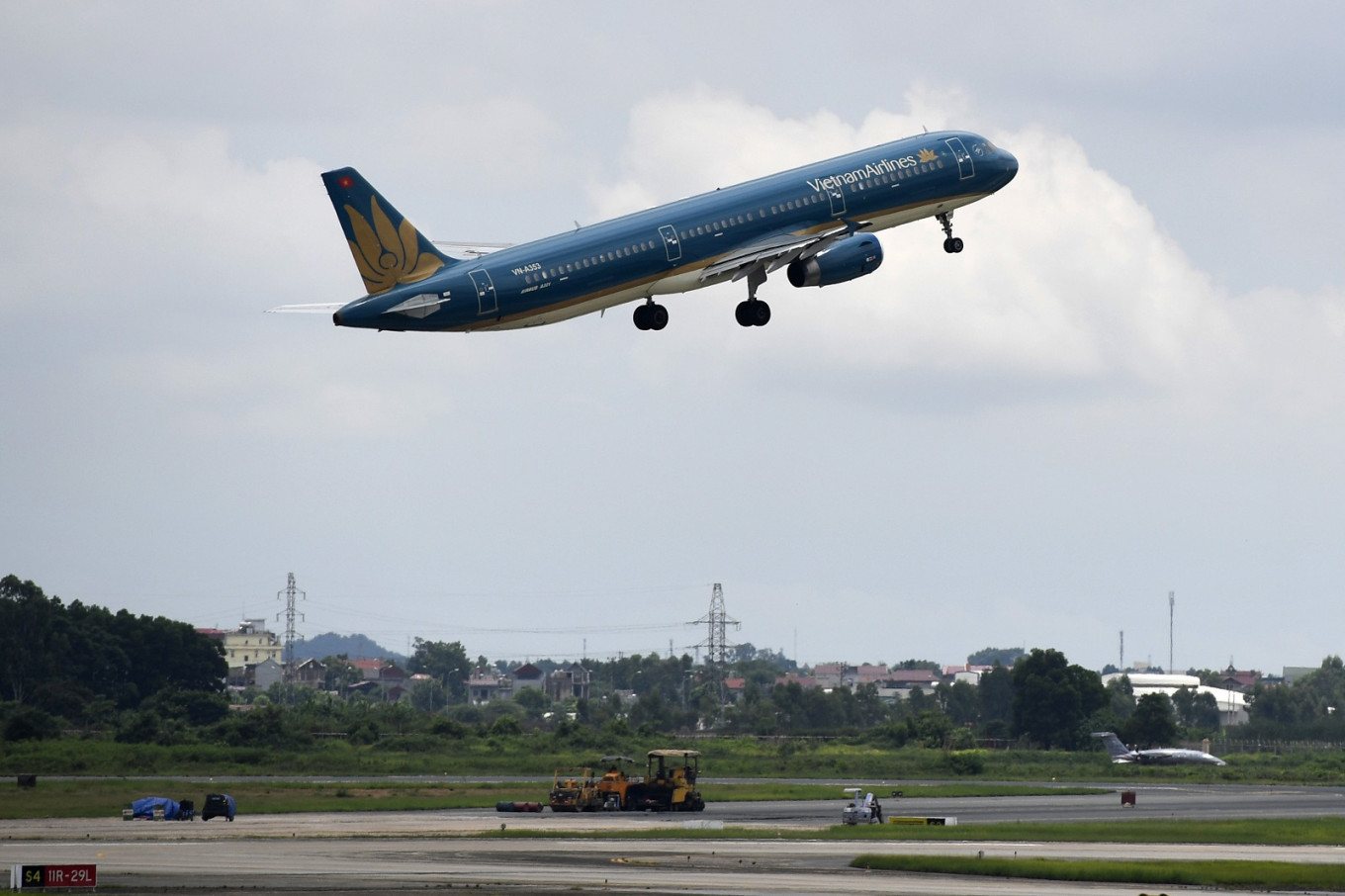 Vietnam airlines resume flights to Taiwan, HK and Macau after govt lifts bans