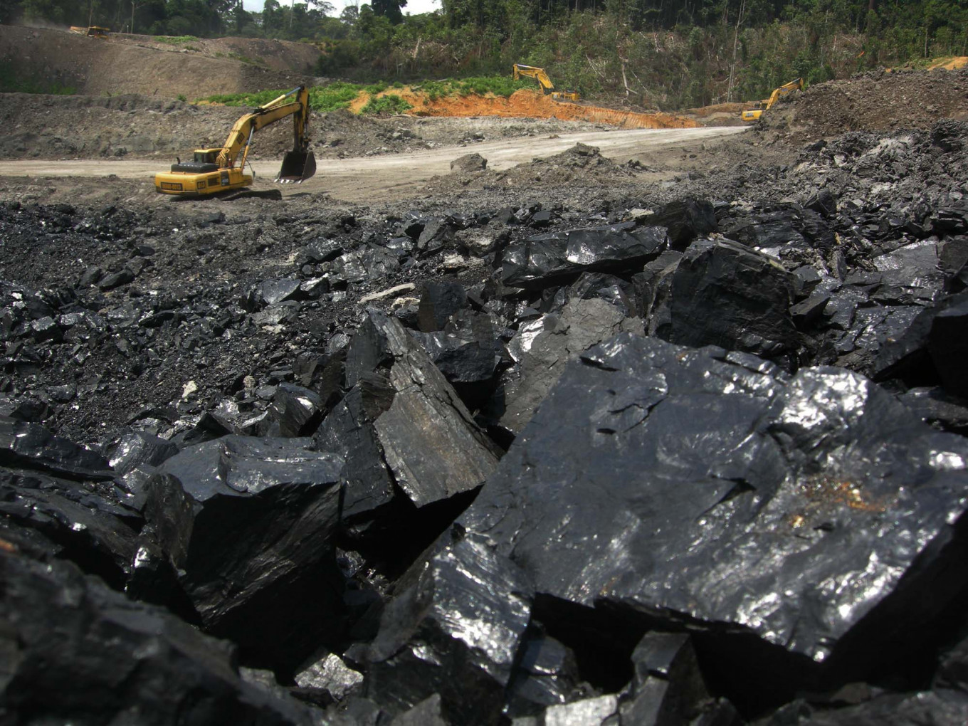 Coal giant Bumi secures 10-year extension at S. Kalimantan mines