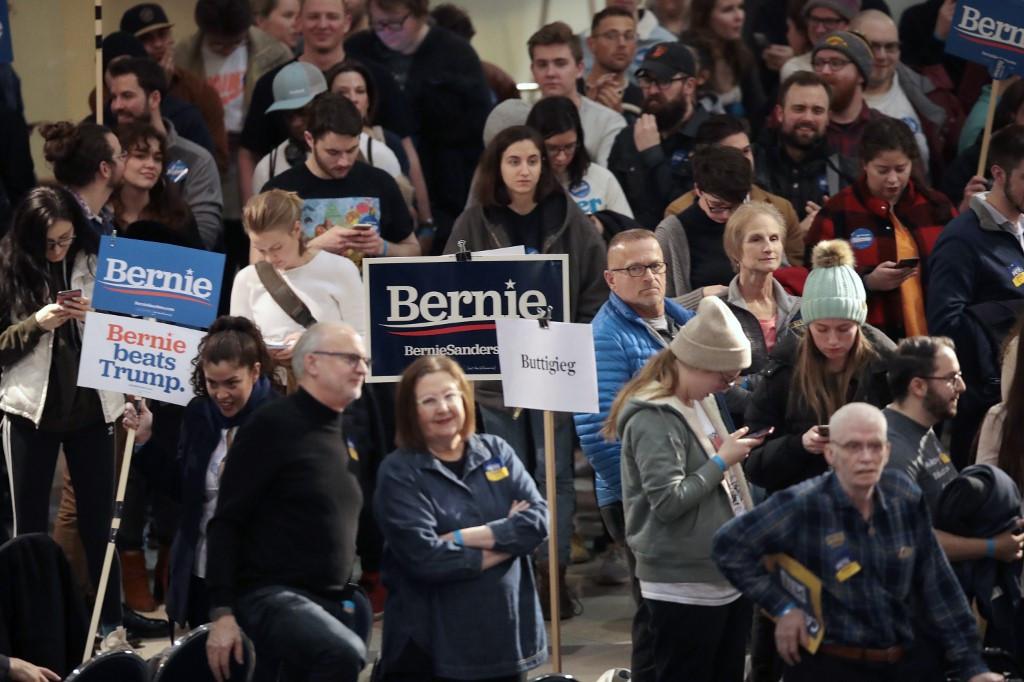 Entrance poll: Majority of Iowa Democrats simply want to defeat Trump