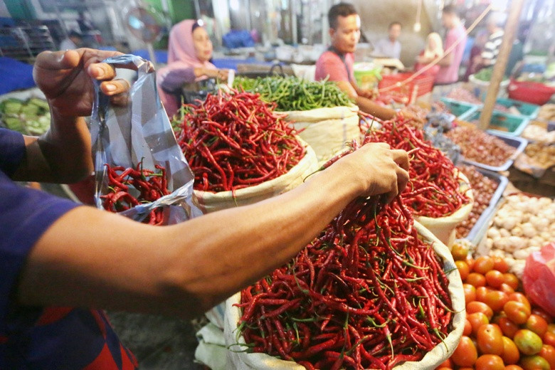 Sufficient food supply, weak demand to lower April inflation: BI