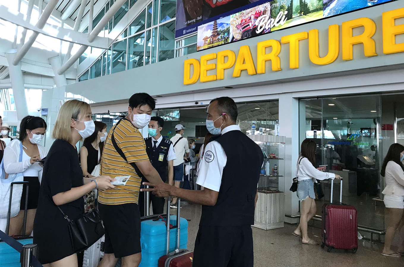 Jokowi wants contingency plan as coronavirus takes toll on Indonesia's tourism