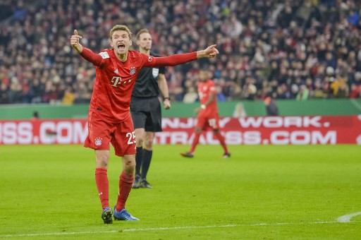 Bayern's Mueller turns on charm in English as Bundesliga woos world