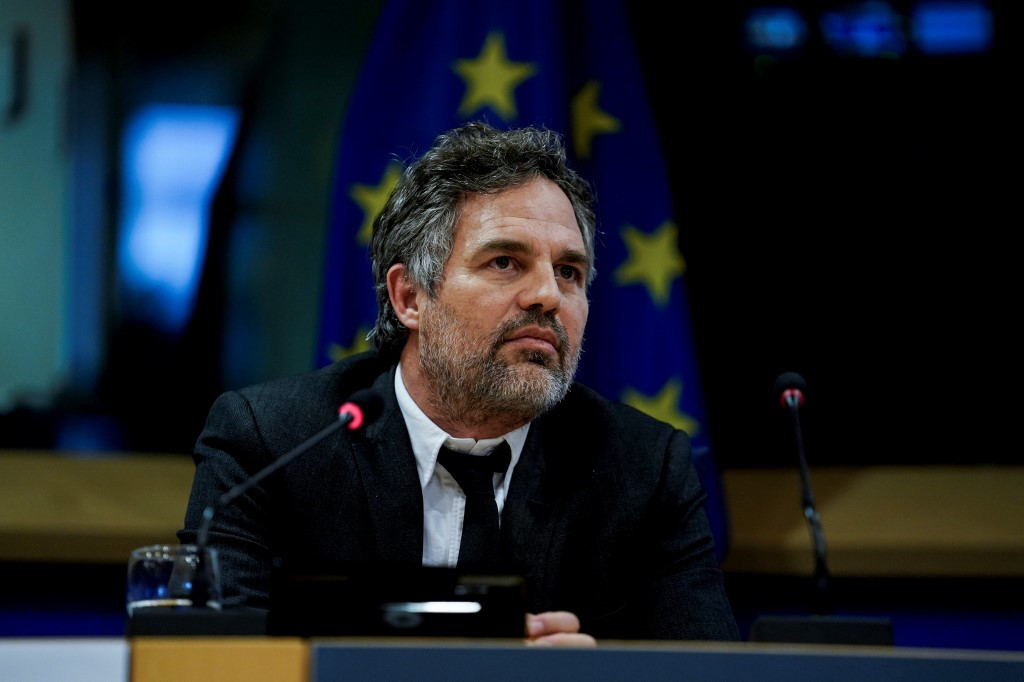 'Avengers' stars Mark Ruffalo, Don Cheadle encourage Americans to 'Go Green' in new show