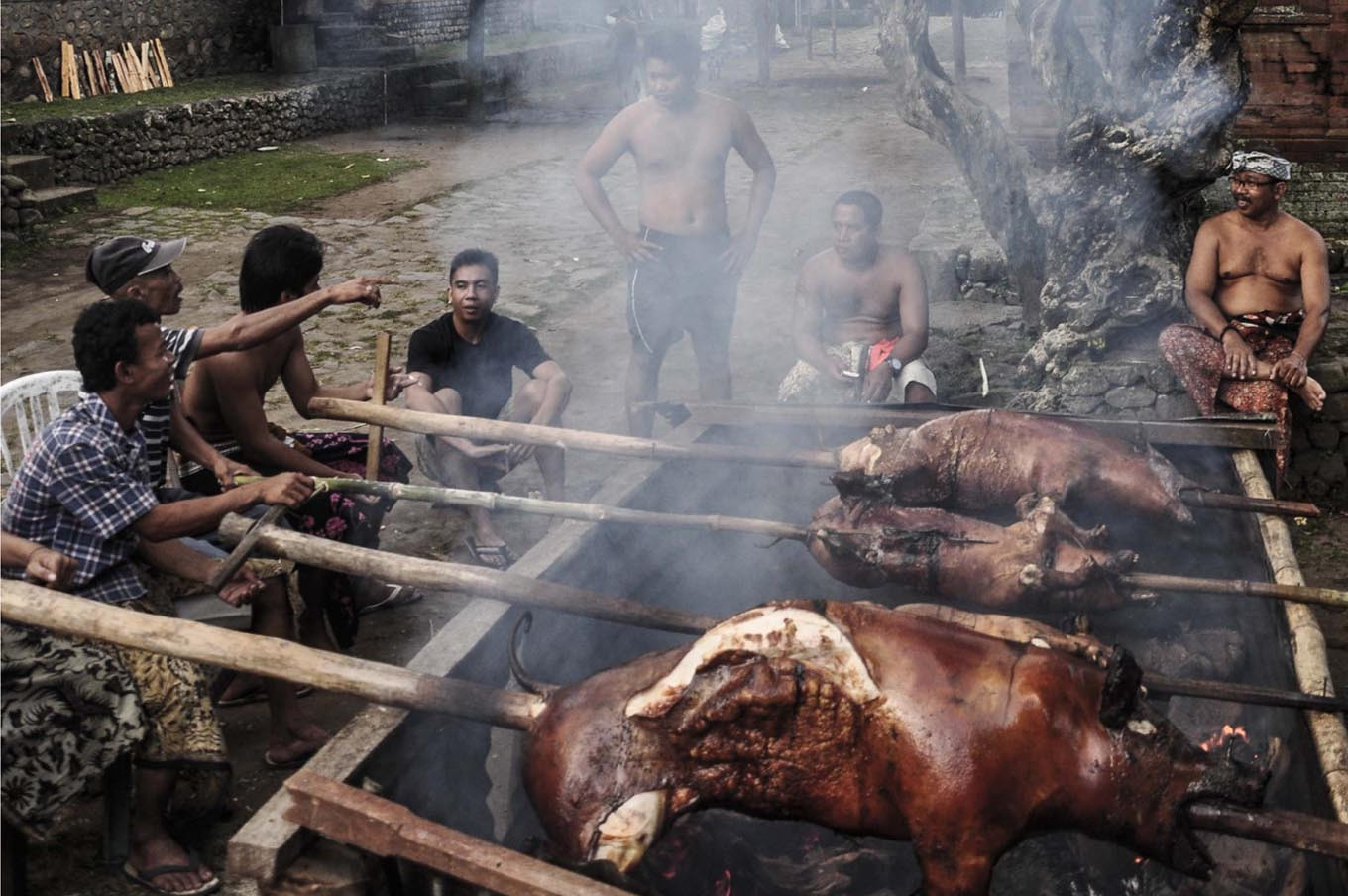 Take it easy on pork eaters: Indonesian Muslims call for tolerance