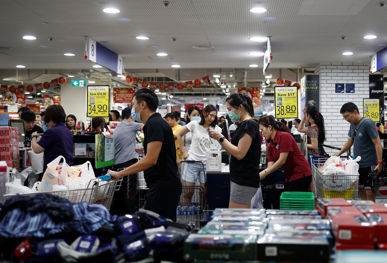 Coronavirus: Politicians, supermarkets urge calm amid panic-buying of groceries