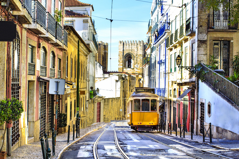 Weeding out fakes? Lisbon tourism at threat from 'drug' dealers