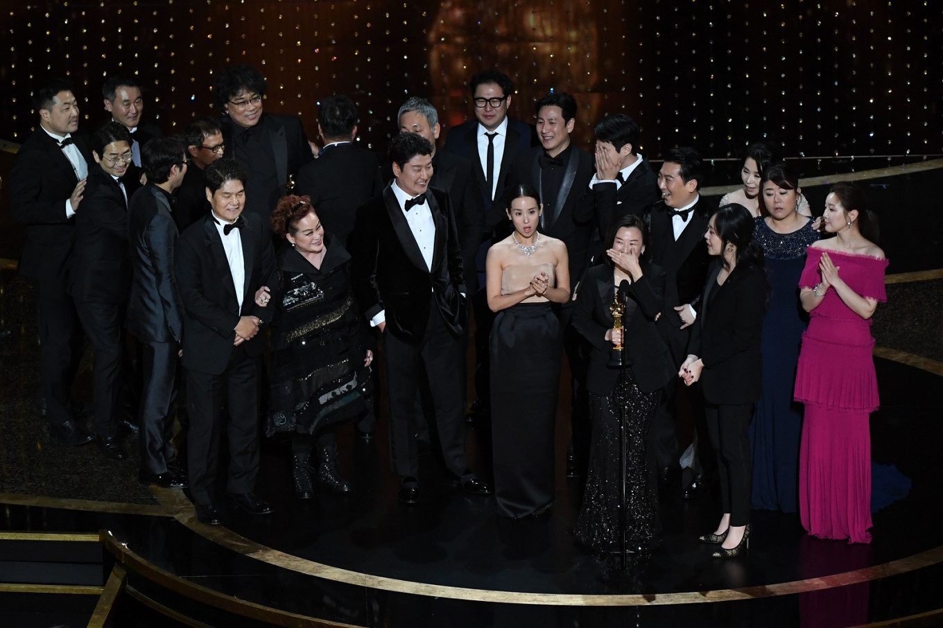 'Parasite' from South Korea makes Oscar history with best picture win