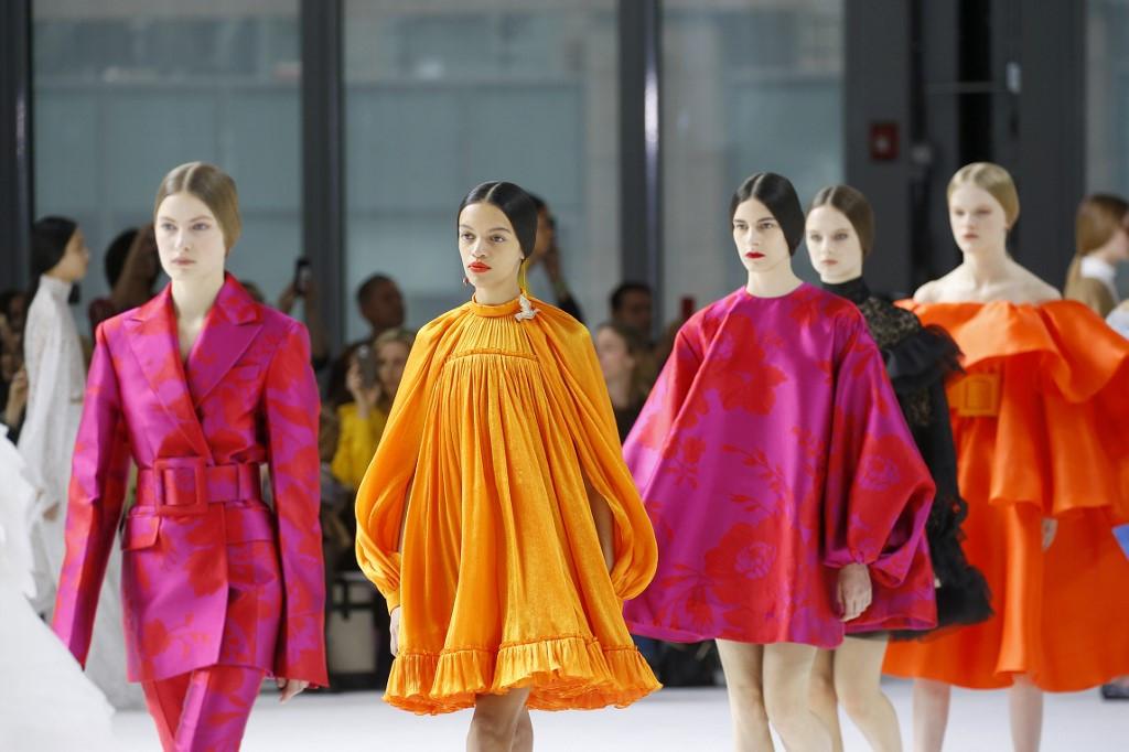 Carolina Herrera brightens up NY Fashion Week... and the world