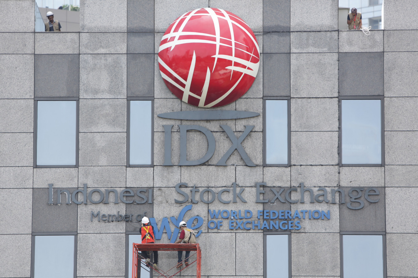 Indonesia stock index plunges to three-year low amid virus fears
