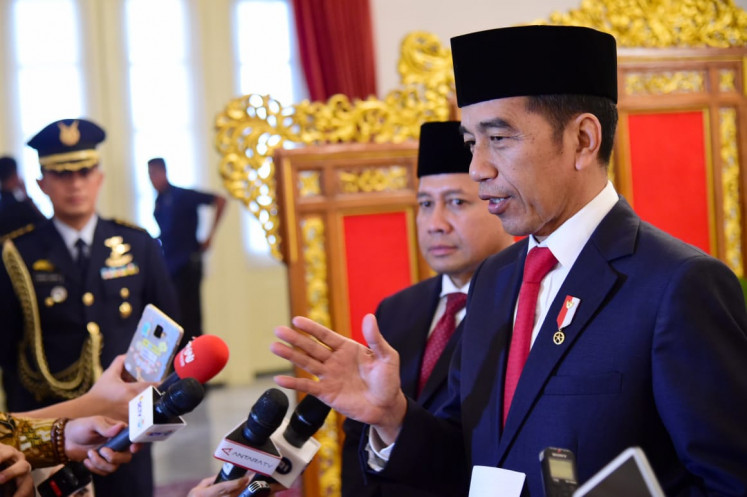 Jokowi blames Cabinet members for bad press surrounding Job Creation Law: Moeldoko