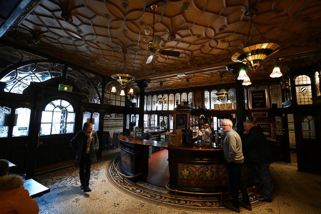 Liverpool 'Beatles pub' gets top architectural listing