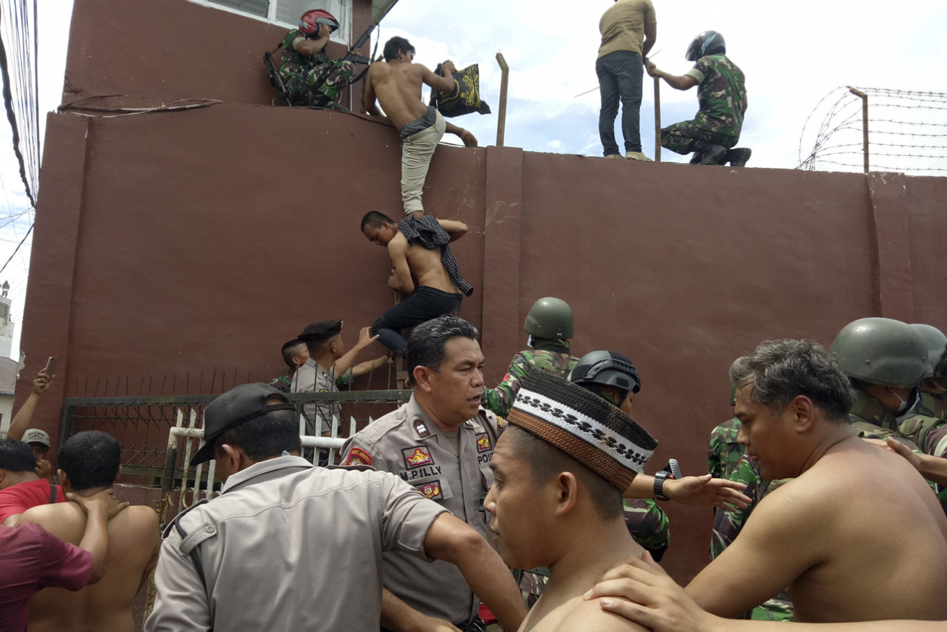 Twenty inmates named suspects in North Sumatra prison riot