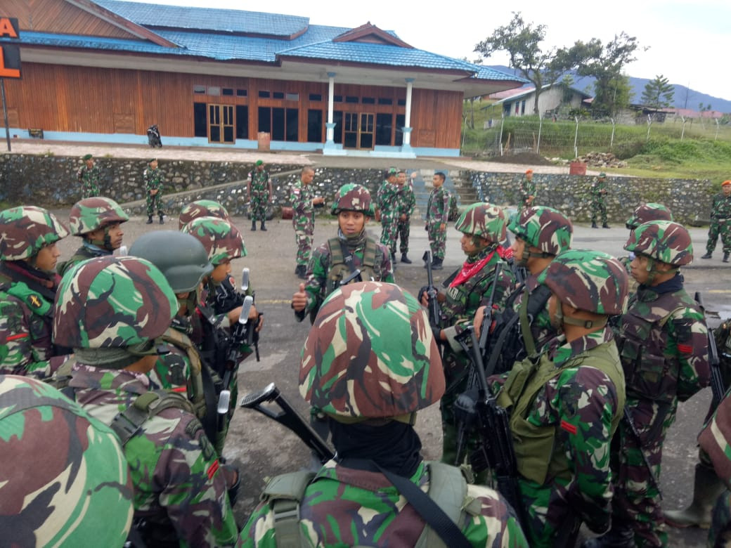 Armed separatists shoot at Indonesian Air Force plane over Papua