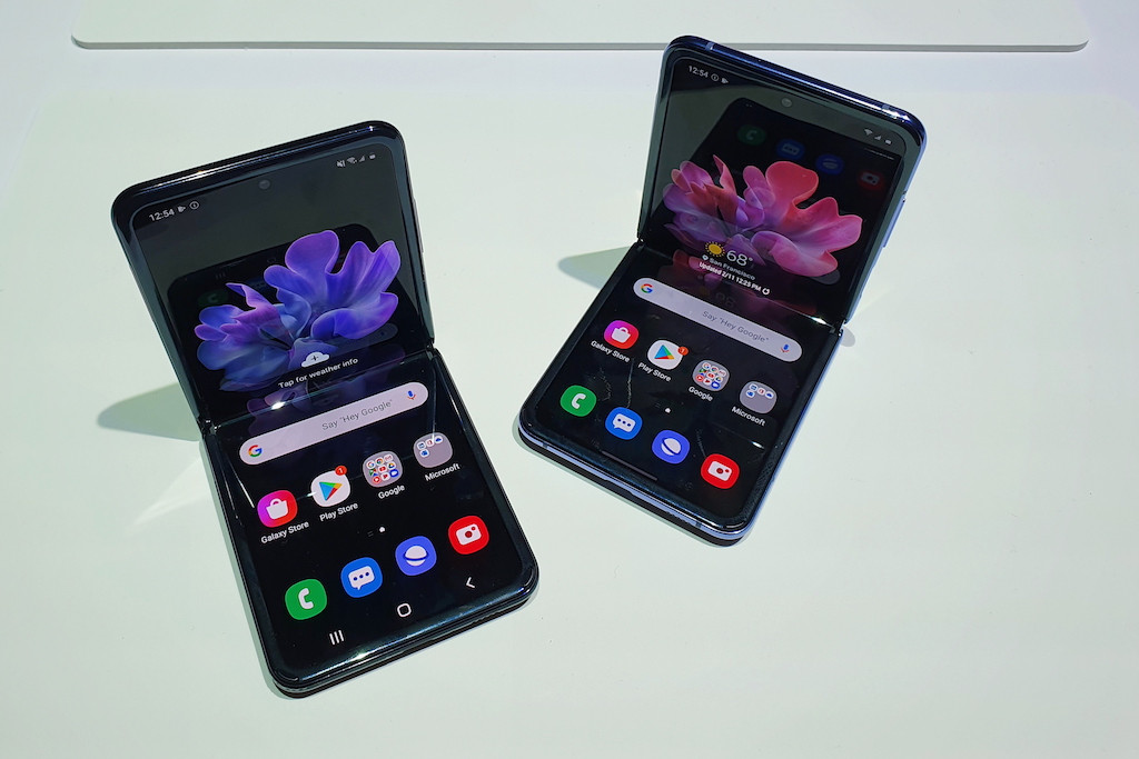 Samsung commercializes Z Flip's ultra-thin folding glass display for other manufacturers
