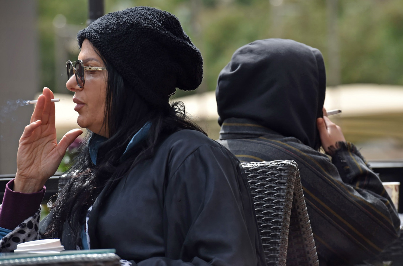 Saudi women smoke in public to 'complete' their freedom