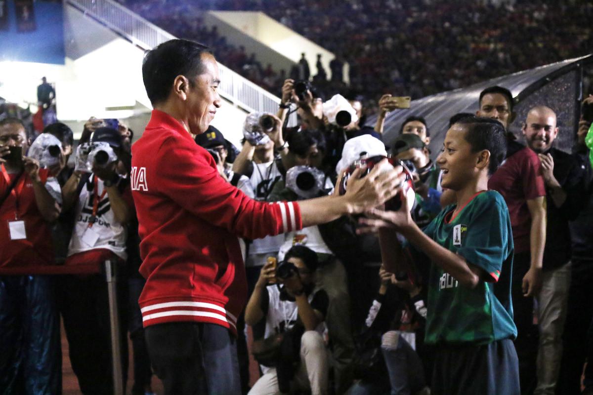 Jokowi inaugurates new-look Manahan Stadium in Surakarta following renovations