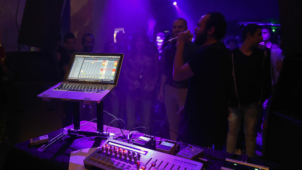 Egypt pulls plug on popular street music
