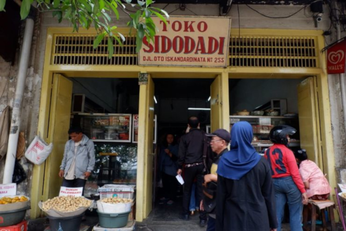 Seven must-try legendary eateries near Bandung town square