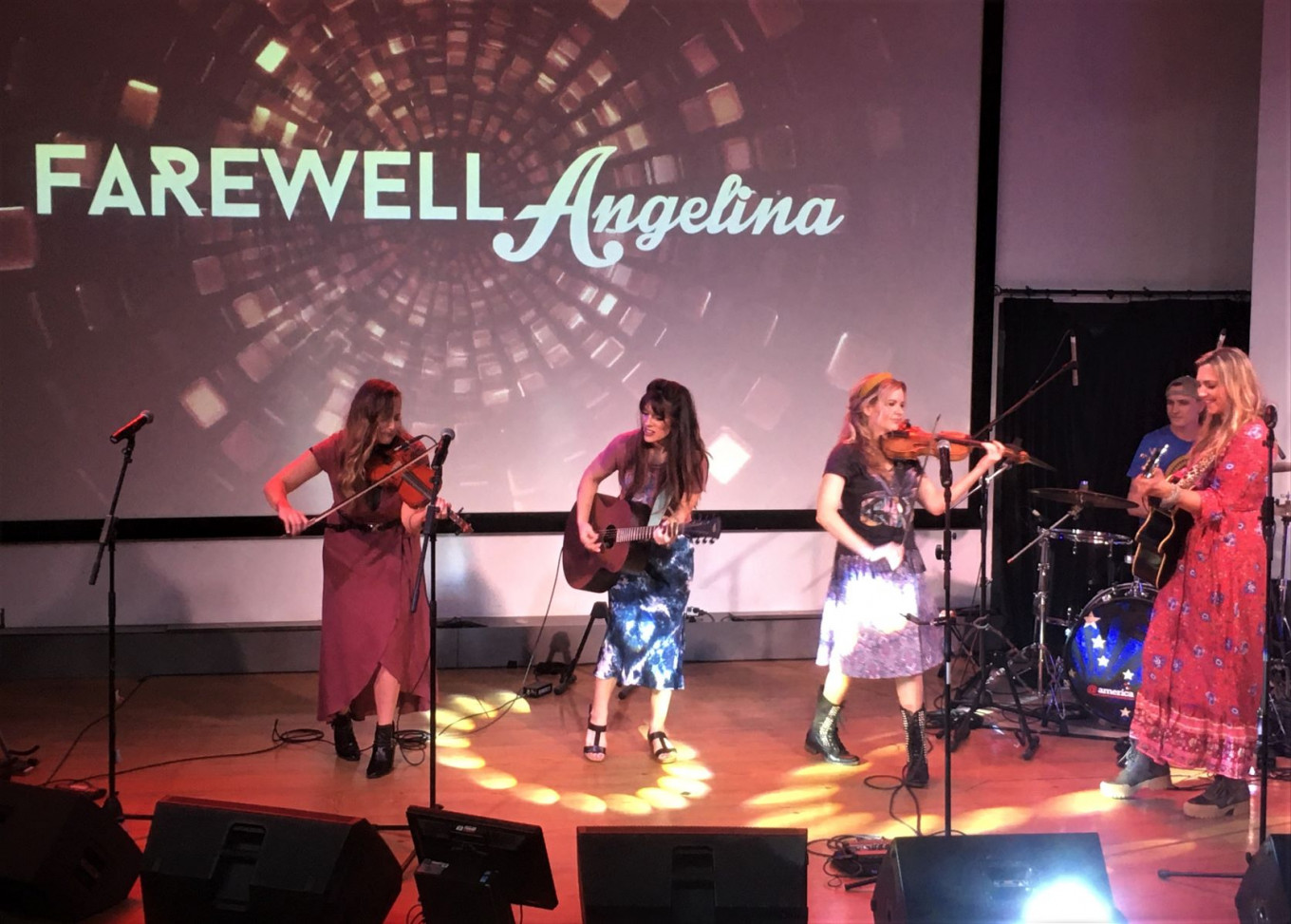Stronger together: Farewell Angelina charms Jakarta with country sounds