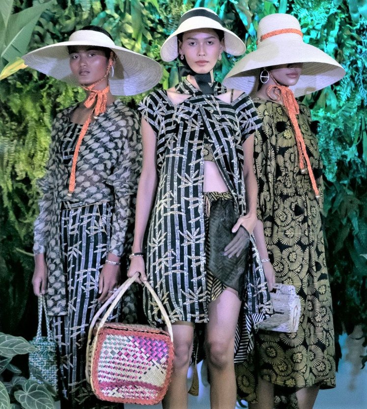 Collaboration: The 2020 Spring/Summer presentation featured a line of lounge sets with patterns designed by Yogyakarta artist duo Tempa, along with jewelry by Amero.