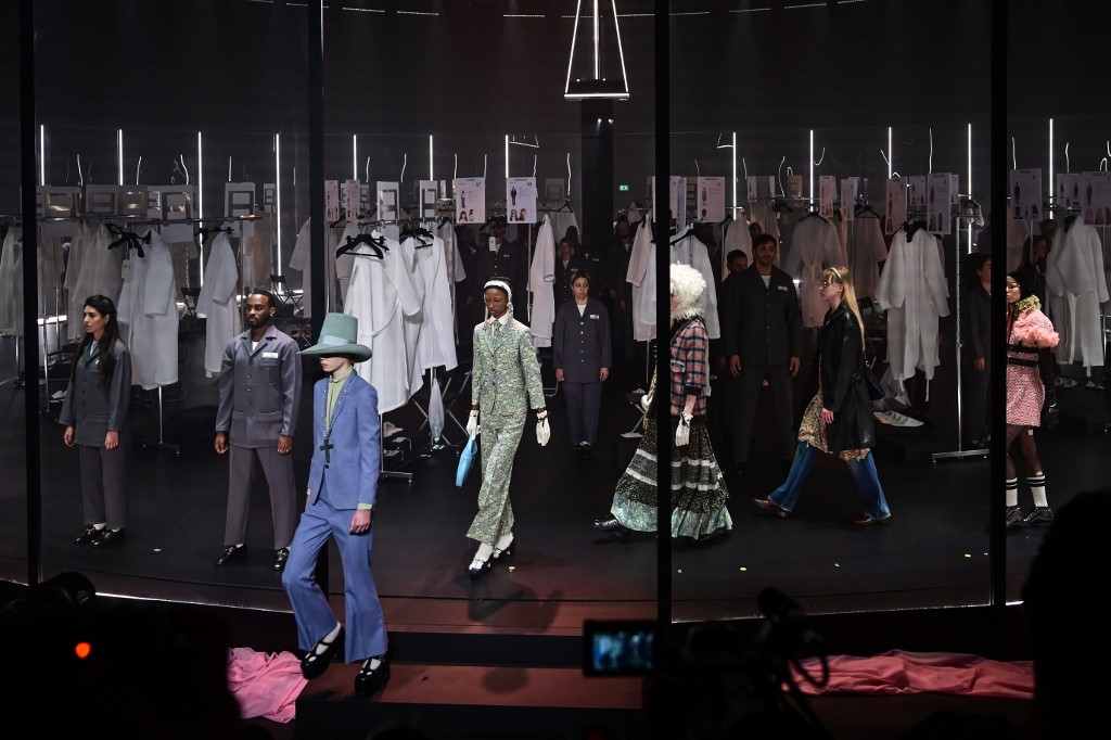 Gucci gives guests backstage pass at Milan show