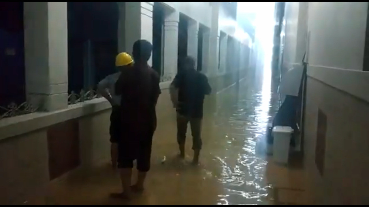 Flood waters inundate state-owned Jakarta hospital, possibly damaging medical equipment