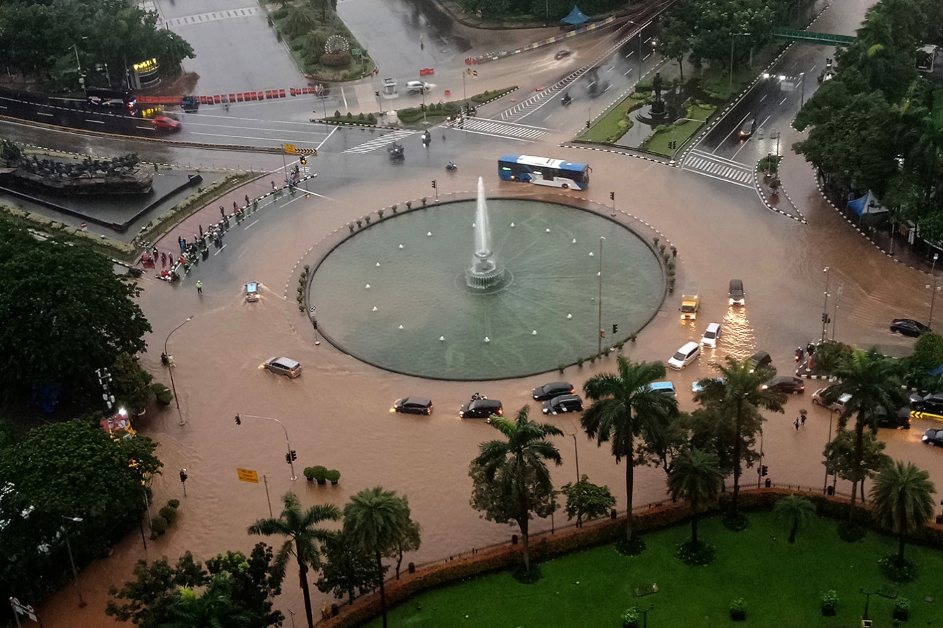 Greater Jakarta flooding on Tuesday gets into Presidential Palace