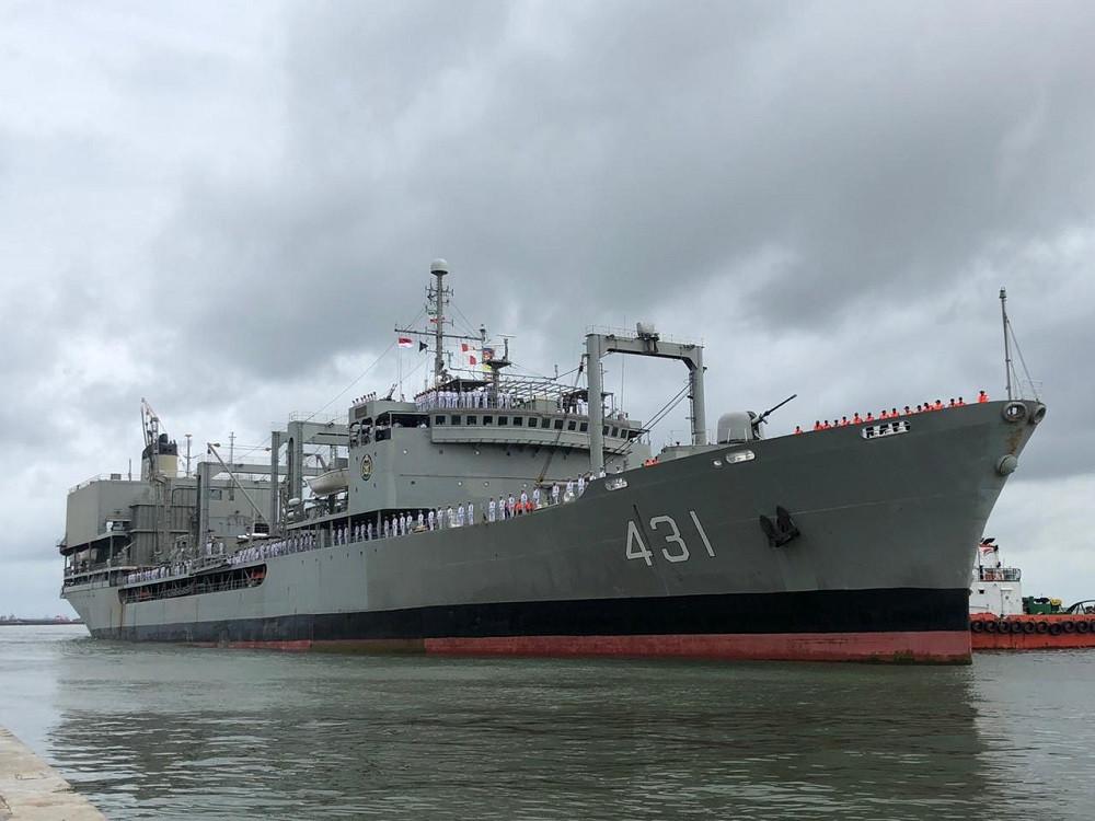 Iranian Navy vessel anchors in Jakarta