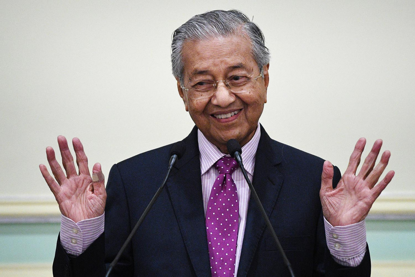 Mahathir says opposition lacks votes to oust Muhyiddin