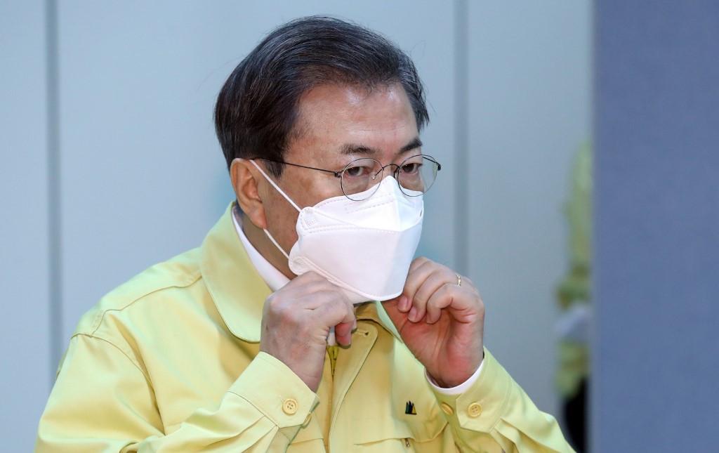 South Korea to pay families hundreds of dollars to ease coronavirus impact