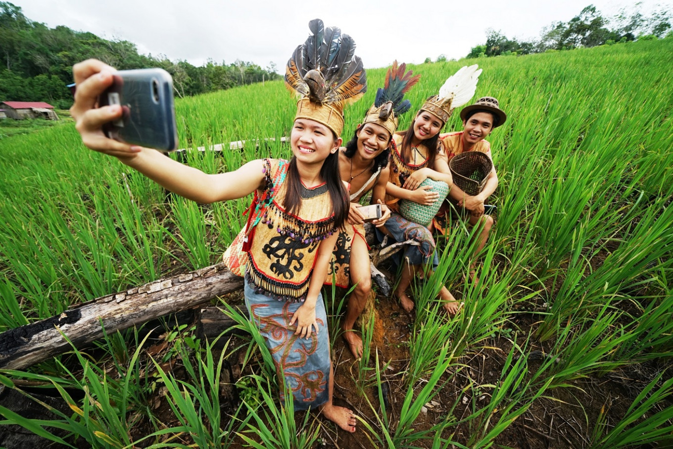 Young Dayaks continue their cultural legacy