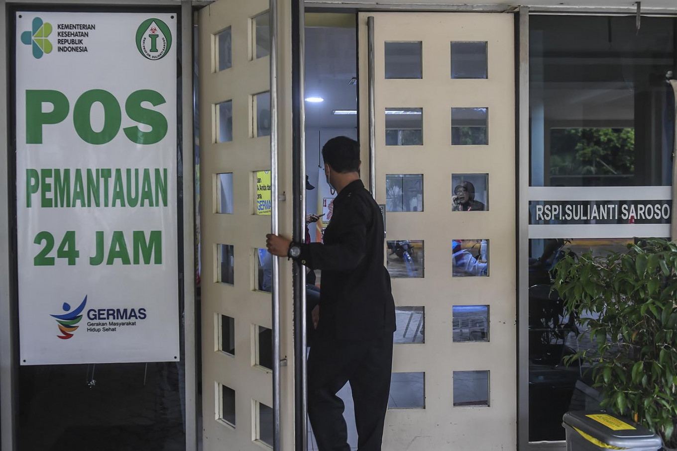 COVID-19: Jokowi forms fast-response team to contain virus