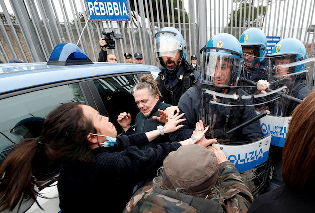 Seven dead as coronavirus measures trigger prison riots across Italy