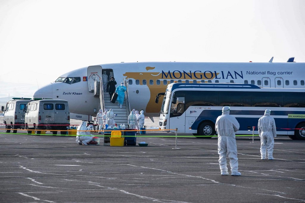 Mongolia locks down cities after reporting first virus case
