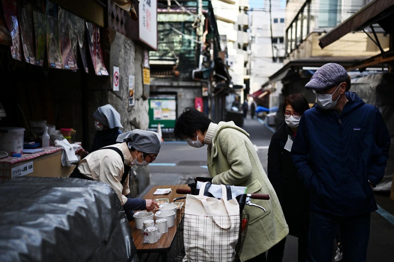 Tokyo tourist sites 'nearly empty' as coronavirus bites