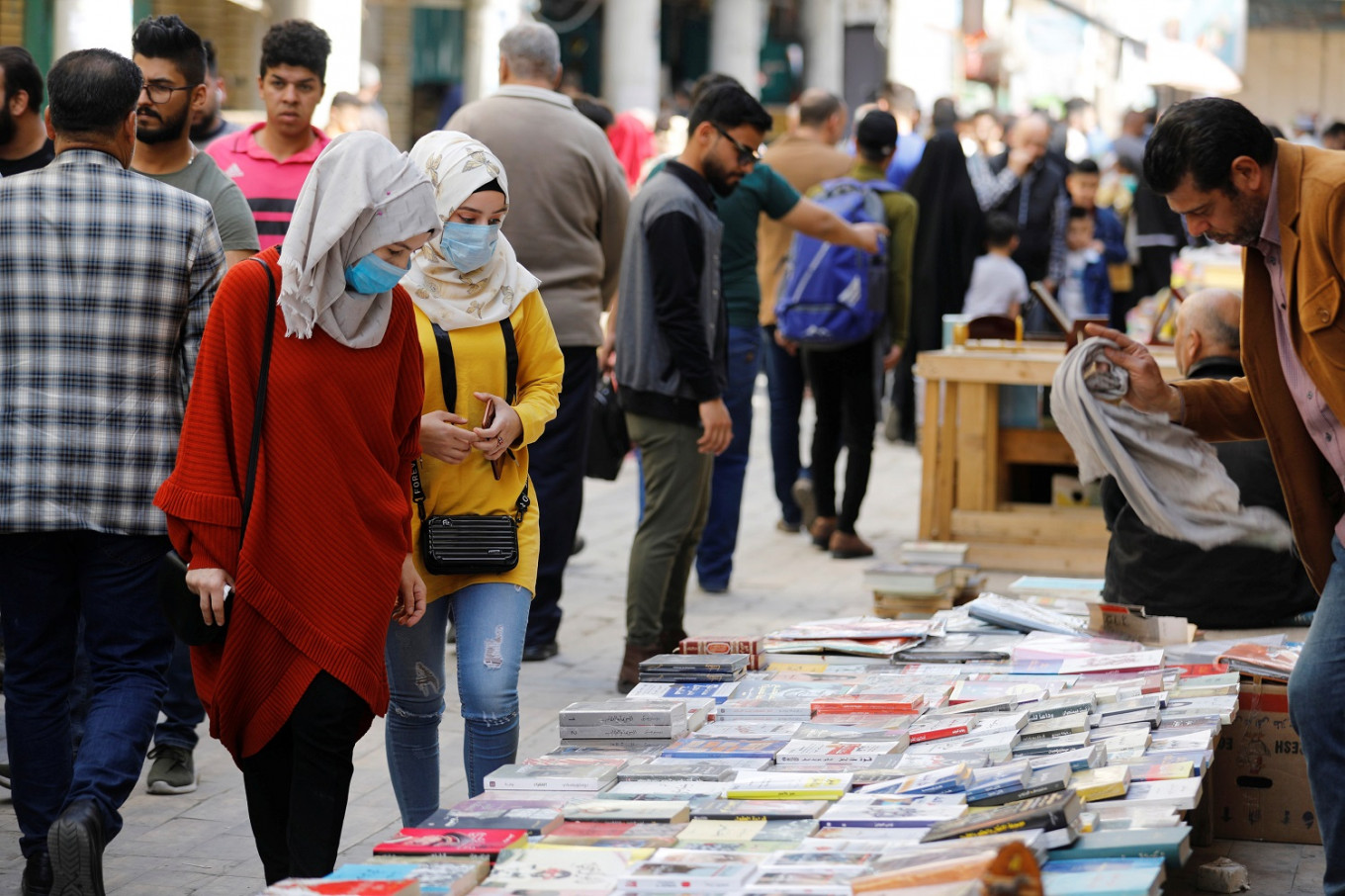 Baghdad's booksellers won't let coronavirus close them down