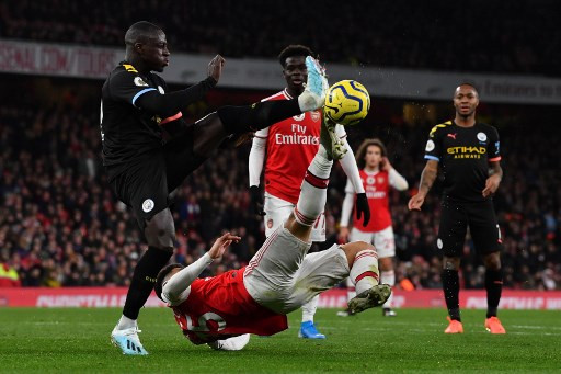 Premier League suffers first postponement as Arsenal players quarantined