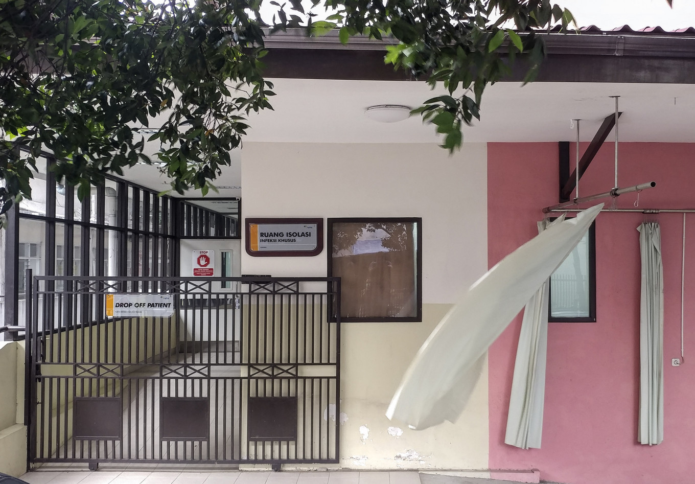 Hospitals not authorized to reveal lab results of COVID-19 patients: Bandung referral center